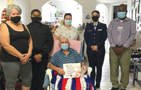 Near the End of Life, a Bedside Salute Means So Much To Veterans
